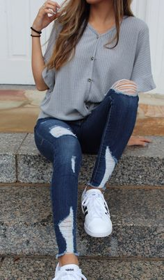 Apr 2020 - 2020 Women Jeans Ripped Jeans Outfit Kick Flare Jeans Knee Ripped Jeans Mens – rotatal Teenage Outfits, Cute Outfits For School, Teen Fashion Outfits, Cute Casual Outfits, Work Outfits, Cute Jean Outfits, Back To School Outfits Highschool, Jeans Fashion, Womens Fashion