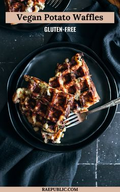 Easy vegan potato waffles that are filling and satisfying. This recipe for potato waffles is gluten-free and oil-free so all can enjoy. #potatowaffles #glutenfreewaffles #veganwaffles | Raepublic.com Vegetarian Brunch, Vegetarian Recipes, Gluten Free Recipes For Breakfast, Brunch Recipes, Sweet Breakfast, Breakfast Ideas, Potato Waffles, Egg Free, Vegan Desserts