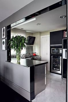 A Guide to Efficient Small Kitchen Design for Apartment Having limited space in an apartment doesn't mean you don't deserve a nice kitchen. See what a small kitchen design is all about. Small Apartment Kitchen, Small Space Kitchen, Small Spaces, Small Rooms, Small Apartments, New Kitchen, Kitchen Decor, Kitchen Ideas, Kitchen Layouts