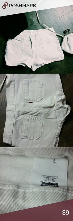 White shorts Cute and in great condition! B4 Levi's Shorts Jean Shorts