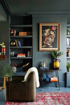 Dark Living Rooms, Living Room Green, New Living Room, Living Room Decor, Green Living Room Walls, Bedroom Green, Tiny Living, Bedroom Colors, Dark Rooms