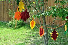 Inspirations by D: DIY: Felt Leaf Garland (Updated) Fall Garland, Leaf Garland, Fall Crafts, Diy Crafts, Diy Girlande, Felt Leaves, Fall Diy, Crafty Craft, Decoration
