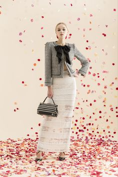 Alice + Olivia Resort 2014. I love this. It's SO chic and versatile. Clean lines, sophisticated. Feminine. I really love Alice + Olivia.