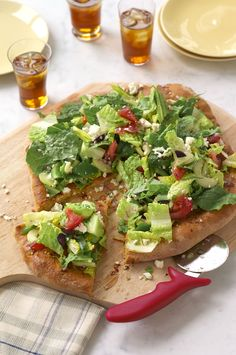 Garlicky Greek Salad Pizza