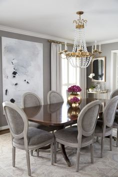 A warm, modern, traditional dining room - House of Harper - Salle A Manger Family Room Design, Dining Room Design, Luxury Dining Room, Design Table, Chair Design, Design Design, Traditional Dining Room Furniture, Diy Home Decor, Room Decor