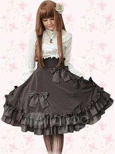 Aristocratic Lolita Model (Remove those bows though...)