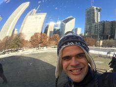 Refletindo a magnifica Downtown no Feijão Gigante de Chicago!   #thegiantbean #downtownchicago #millenniumpark #renanbarabanov