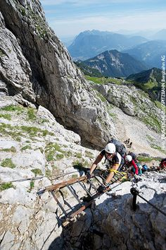 Via ferrata routes for beginners: 5 tours for fun & enjoyment Ber . - Via ferrata beginners – Alpspitz via ferrata Europe Destinations, Travel Around The World, Around The Worlds, Travel Tags, Circuit, Reisen In Europa, Camping And Hiking, Wanderlust Travel, Rats