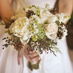 Ramos de novia con peonías: Fotos de las propuestas - Bouquet de peonías blancas de inspiración country