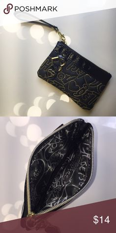 NWOT Betsey Johnson wristlet • never before used Betsey Johnson wristlet. small but big enough to fit an iPhone 6, money and maybe a lipstick. detachable strap so it can also be used as a clutch or coin purse/wallet. • comment with any questions & I will consider reasonable offers  • 10% off bundle of 2 or more! Betsey Johnson Bags Clutches & Wristlets