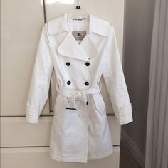"Burberry London Trench Coat Authentic Burberry White Trench Coat. Size 8 EUC   Length 37"". Pit to pit 18"" 100%cotton/lining 100% Rayon. Lining is white   Awesome coat. Will negotiate through the offer button Thanks Burberry Jackets & Coats Trench Coats"