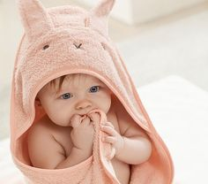 Super Soft Bunny Baby Hooded Towel & Washcloth Set – Best Towel Models and Patterns 2020 Custom Baby Gifts, Personalized Baby Gifts, Kids Hooded Towels, Baby Hooded Towel, Owl Nursery, Towel Wrap, Baby Towel, Backpack For Teens, Baby Bedding Sets