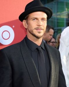 "Gustaf Skarsgard Photos - Gustaf Skarsgard (L) and guest attend the premiere of HBO's ""Westworld"" Season 2 at The Cinerama Dome on April 2018 in Los Angeles, California. - Premiere Of HBO's 'Westworld' Season 2 - Arrivals"