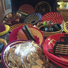 New Baskets and Jewelry have arrived! Even some new cosmetic bags!