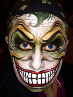 Amazing Joker face painting for Halloween. Scary Faces, Scary Clowns, Joker Face Paint, Foto Face, Art Et Design, Unique Faces, Theatrical Makeup, Halloween Looks, Halloween Clown