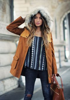 Love this coat. So warm looking but not too bulky. Paired perfectly.... Want this whole outfit.