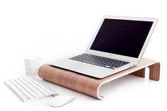 macbook-wall-desk