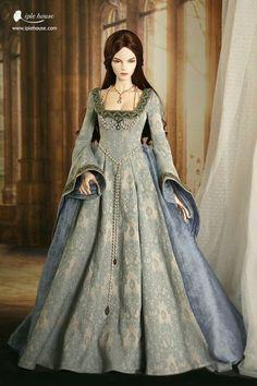 Robe style Boleyn