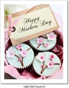 Gift box of Mother's day cupcakes. Free art print of Mother's day cupcakes. Beautiful Cupcakes, Cute Cupcakes, Cupcake Cookies, Simple Cupcakes, Flower Cupcakes, Fondant Cupcakes, Cupcakes Bonitos, Cupcakes Decorados, Mothers Day Cupcakes