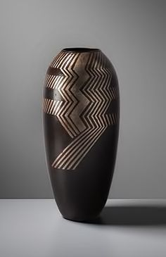 Jean Dunand – Large vase with Art Deco geometric lines  Galerie Michel Giraud – Phillips