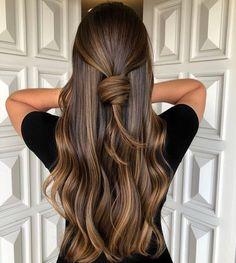 Brown Hair Shades, Brown Ombre Hair, Brown Hair Balayage, Brown Blonde Hair, Ombre Hair Color, Brown Hair Colors, Brunette Hair, Wavy Hair, Burgundy Hair