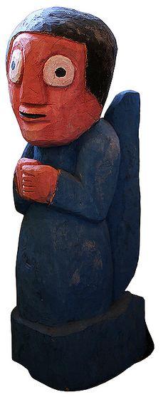 Véio (Cícero Alves dos Santos, Nossa Senhora da Glória–SE, 1948). Anjo em madeira, 130 cm.