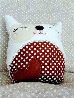 Süßes Kuschelkissen in Katzenform fürs Kinderzimmer / cute cat cushion, hand sewed made by Lieblingssachen via DaWanda.com
