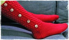 Suvikumpu: Nappivarsisukat - ohje Wool Socks, Knitting Socks, Slipper Socks, Slippers, Boot Cuffs, Ravelry, Knitting Patterns, Diy, Knit Socks