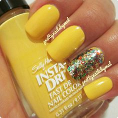 Yellow Party by Prettynailsbymal