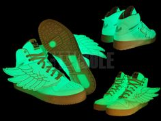 Adidas Jeremy Scott Glow in the Dark Jeremy Scott Wings, Jeremy Scott Adidas, Adidas Originals, The Originals, The Darkest, Air Jordans, Kicks, Casual Outfits, Sneakers Nike