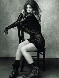 19._jessica_biel_-_fd189_-_glamour_uk.jpg (JPEG Image, 900×1200 pixels)