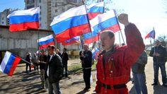 Partidários pró-Rússia e pró-Ucrânia marcham em Donetsk | #AdamSwain, #Criméia, #Minoria, #Protesto, #Rússia, #Separatismo, #Tumulto, #Ucrânia