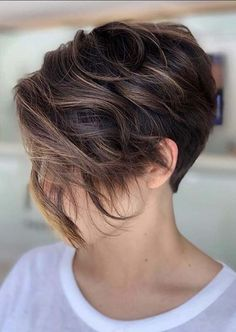 You may find here absolutely amazing trends of short haircuts to wear on your celebrations in year 2020. Ladies who are searching for more amazing short haircut styles, they should check out these best short haircuts to sport nowadays. Pixie Haircut Fine Hair, Side Haircut, Short Hair Undercut, Haircuts For Fine Hair, Undercut Hairstyles, Straight Hairstyles, Short Hairstyles, Short Hair Lengths, Short Hair Cuts
