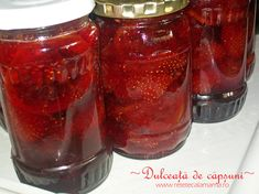 dulceata de capsuni-1 Preserves, Pickles, Jelly, Salsa, Mason Jars, Good Food, Food And Drink, Cooking Recipes, Homemade