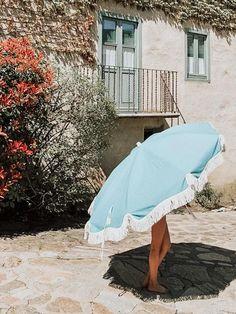 organic cotton beach umbrellas. made in europe. sombrillas de playa de algodón orgánico producidas íntegramente en europa. Color Azul, Summer, Top, Life, Style, Beach Accessories, South Beach, Bangs, Shades