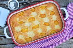 Bögrés grízes süti őszibarackkal és túrós foltokkal | Rupáner-konyha Pound Cake, Griddle Pan, Cakes And More, Cake Recipes, Good Food, Food And Drink, Sweets, Baking, Fruit