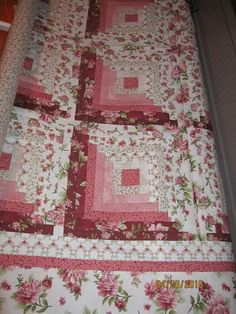 Sunshine in the Attic: Retirement Quilt Log cabin style quilt block with colour on 1 side and white Log Cabin Quilt Pattern, Log Cabin Quilts, Quilt Block Patterns, Quilt Blocks, Log Cabin Patchwork, Quilt Kits, Colchas Quilting, Quilting Projects, Quilting Designs