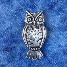 Vintage owl pewter brooch Silver Bead Necklace, Silver Drop Earrings, Silver Bangles, Sterling Silver Earrings Studs, Blue Lace Agate, Vintage Brooches, Vintage Owl, Pewter, Jewellery