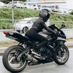 Vintage Bike Decor, Vintage Bikes, Vintage Motorcycles, Honda Motorcycles, Womens Motorcycle Helmets, Motorcycle Bike, Motorbikes Women, Ducati Monster Custom, Motorbike Girl