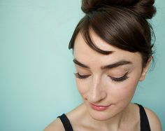 Loved Breakfast at Tiffany's? Join the club, and start by trying this DIY Audrey Hepburn's makeup tutorial guaranteed to look cute in any century.