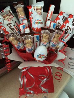 KINDER CHOCOLATE BOUQUET HAMPER EXPLOSION PERFECT GIFT. HANDMADE KINDER CHOCOLATE BOUQUET CREATED USING A SELECTION OF. KINDER CHOCOLATE AND IS PRESENTED IN A STURDY BOUQUET BOX. 3 KINDER CHOCOLATE MEDIUM BARS. | eBay!