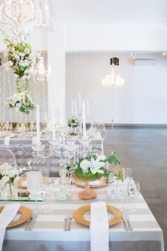 OKASIE offers floral retail (also available online), decor and flowers for weddings and corporate events, furniture hire, creative installations and product design.