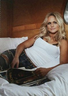 Listen to every Miranda Lambert track @ Iomoio Best Country Singers, Country Music Artists, Maranda Lambert, Leigh Lambert, Miranda Blake, Miranda Lambert Photos, Beautiful People, Beautiful Ladies, Female Singers