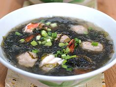 Delicious Chinese soup on the go - seaweed soup with home made pork balls & prawns This soup is a life saver whenever I crave for some home-made soup but don't have a lot of time. It's fast to whip up and yet very yummy and nutritious. Unlike most Chinese soups which require a long time to