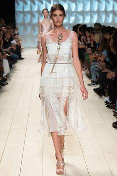 Nina Ricci Ready-to-wear Spring/Summer 2015