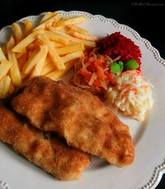 Garlic Bread, Fish And Chips, Fish And Seafood, Salmon, Good Food, Food And Drink, Keto, Chicken, Dinner