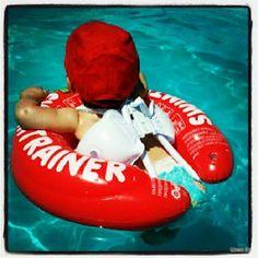 Mamá 2.0 El acierto del verano éste flotador...