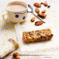 Knuspermüsliriegel mit Marillen und Banane Energy Bars, Cereal, French Toast, Breakfast, Food Ideas, Banana, Snack Station, Morning Coffee, Corn Flakes