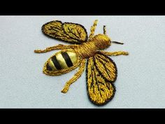 Embroidery 3d, Cross Stitch Embroidery, Bee Design, Gold Work, Embroidery Techniques, Sewing Hacks, Sewing Tips, Cross Stitching, Simple Designs
