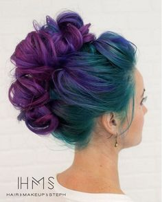 Purple and Blue Hair Hairstyles Ideas Purple and blue hair hair styles are all the rage especially now when the hot season is approaching and we wish to experiment with the hair color. Crazy Colour Hair Dye, Peacock Hair Color, Hair Color Blue, Cool Hair Color, Hair Colours, Amazing Hair Color, Green Peacock, Peacock Colors, Waterfall Hairstyle